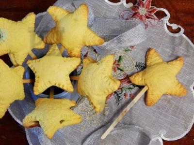 Необычное праздничное печенье с начинкой из маршмеллоу и шоколада.Незвичайне святкове печиво з начинкою з маршмеллоу і шоколаду